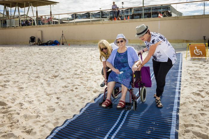 Accessible beach mat